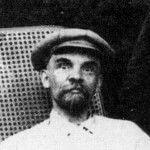 Ленин на площади. Кому он нужен и кому он не нужен